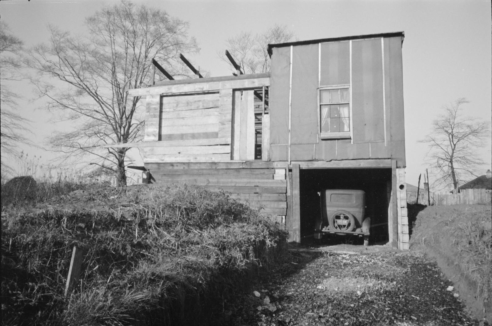 03. Дешевые частично построенные дома без воды и канализации, Локленд, Огайо.