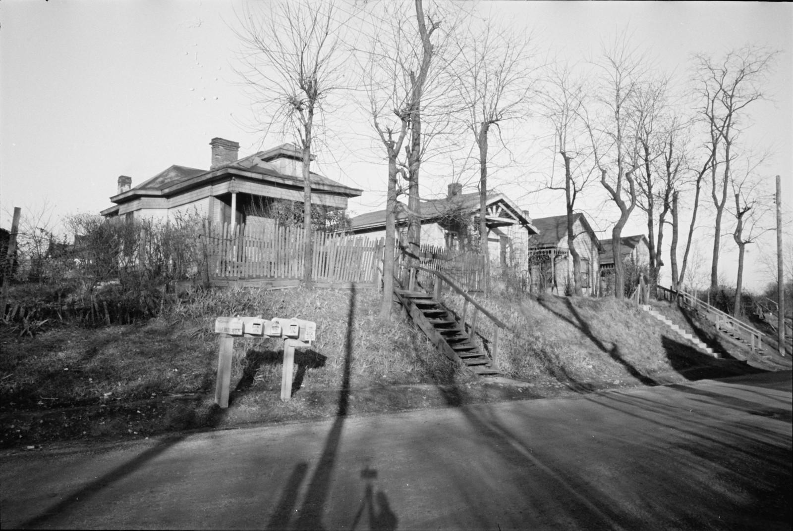 02. Дешевые частично построенные дома без воды и канализации, Локленд, Огайо