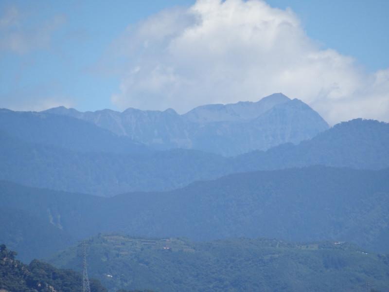 雪山圈谷01