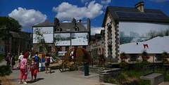 La Gacilly (Morbihan, Bretagne, FR) – Le village qui passe l'été habillé en photo…