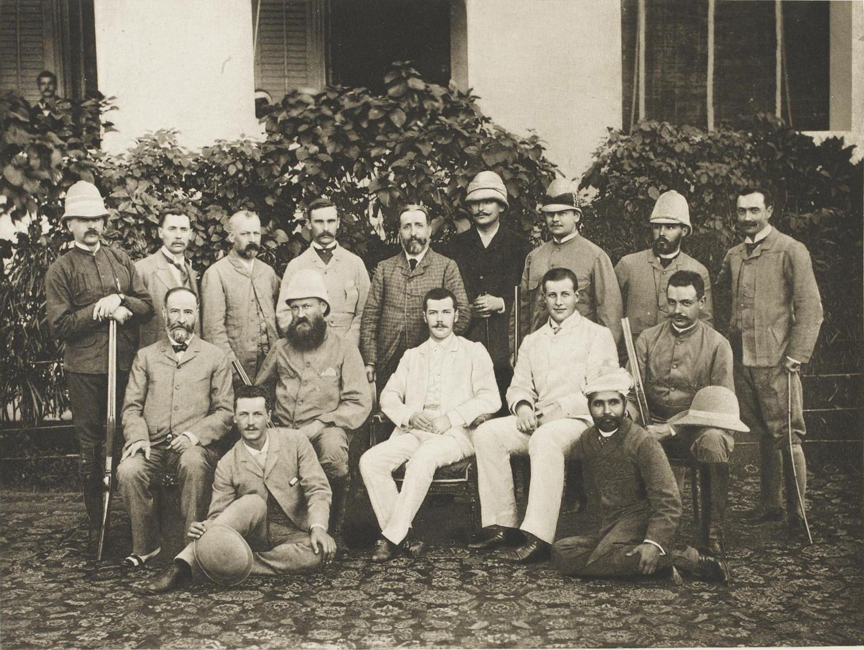 10. 1890. Индия. Мадрасская группа цесаревича со спутниками по Индии