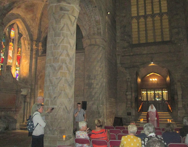 Dunfermline Abbey nave,columns 1