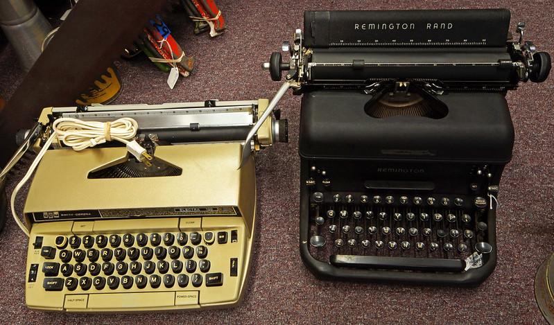 Typewriters DSC01157