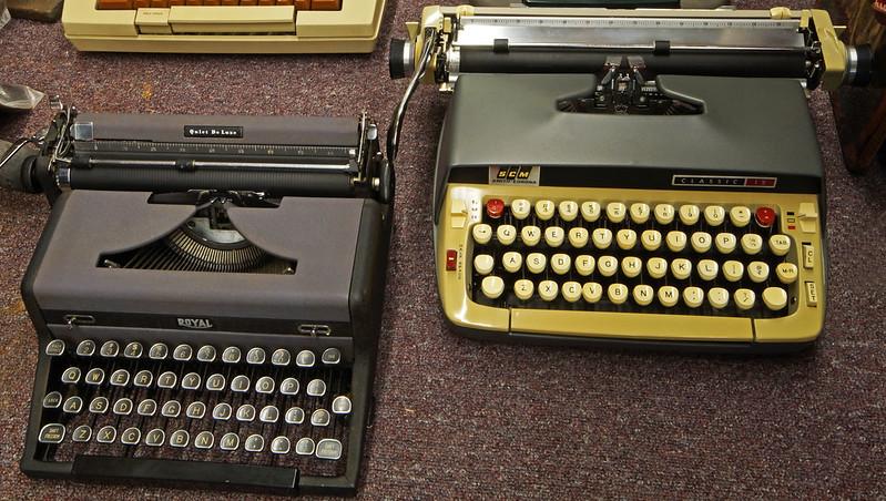 Typewriters DSC01155