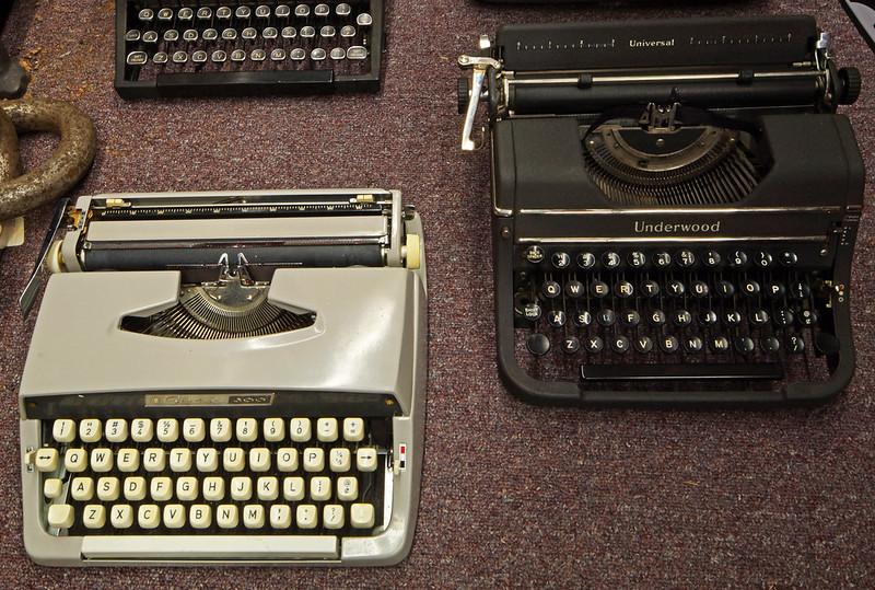 Typewriters DSC01154