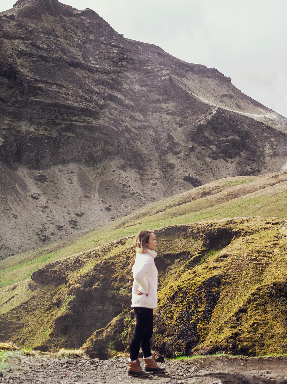 13iceland-vik-fimmvorduhals-skogafoss-travel-style
