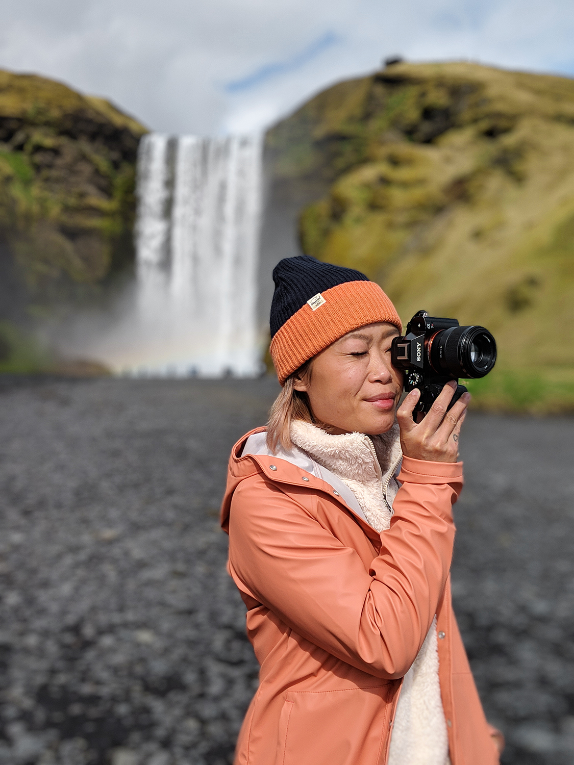 09iceland-vik-skogafoss-waterfall-travel-style