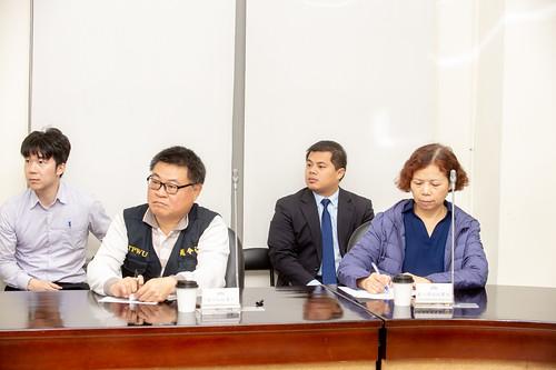 圖08.陳理事長及趙令裕秘書長與其他工會幹部再次赴立法院拜會研商兩大議題。