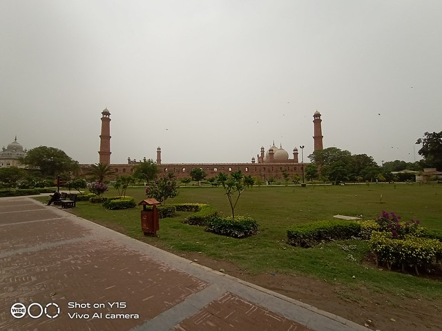 badshahi mosque auto mode by Vivo y15