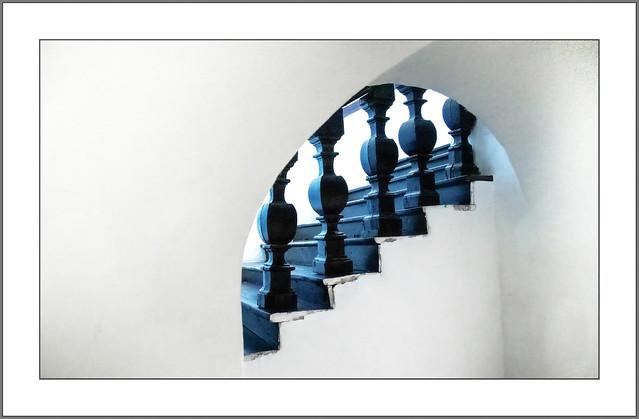 Im Treppenhaus (In the stairwell)
