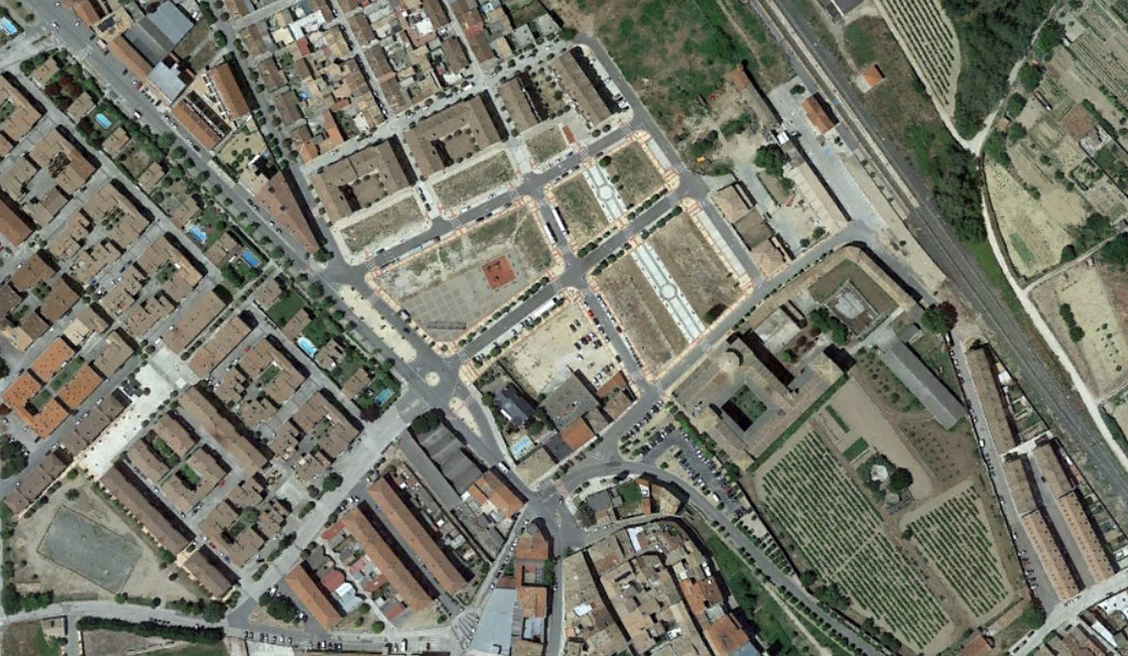 olite, navarra, calles guays en un fincón muy chulo, después, urbanismo, planeamiento, urbano, desastre, urbanístico, construcción, rotondas, carretera