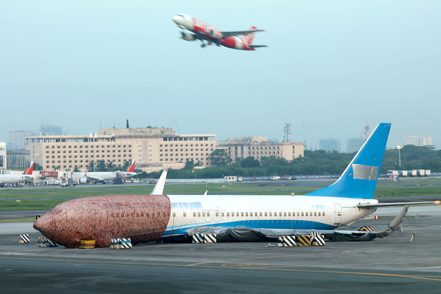 Xiamen Airlines B737-800 B-5498 wreckage has become a permanent eye-sore at MNL/RPLL!