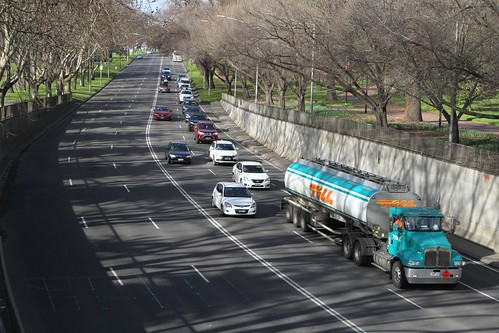 Fuel tanker on Alexandra Avenue enters the underpass beneath St Kilda Road