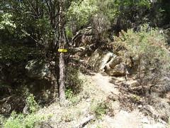 Panneau vers Paliri au ruisseau de Peru