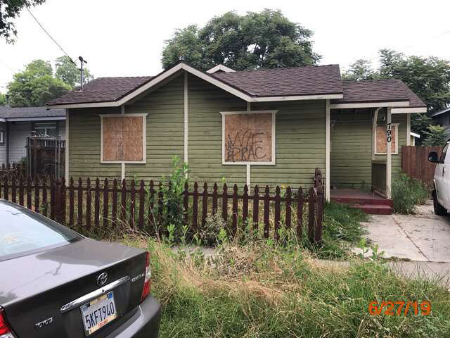 abandoned house grass cuts pasadena ca