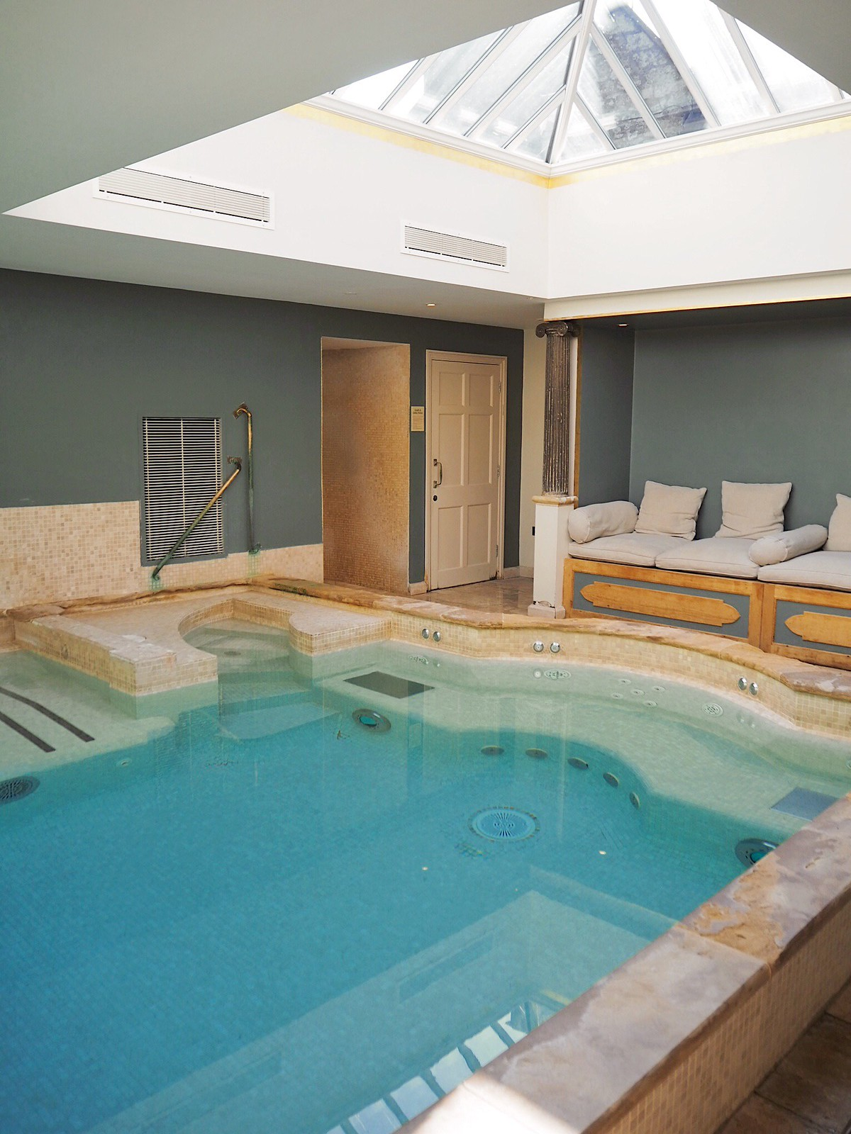 Charlton house hotel and spa swimming pool