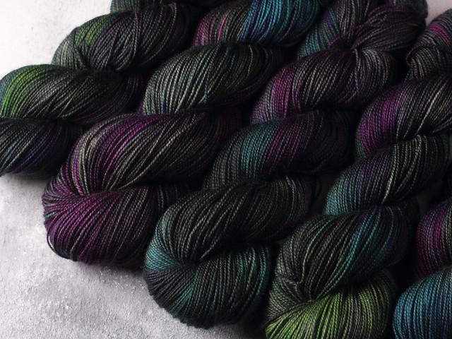 Favourite Sock – pure Merino 4 ply/fingering weight wool superwash hand dyed yarn 100g – Midnight Iris