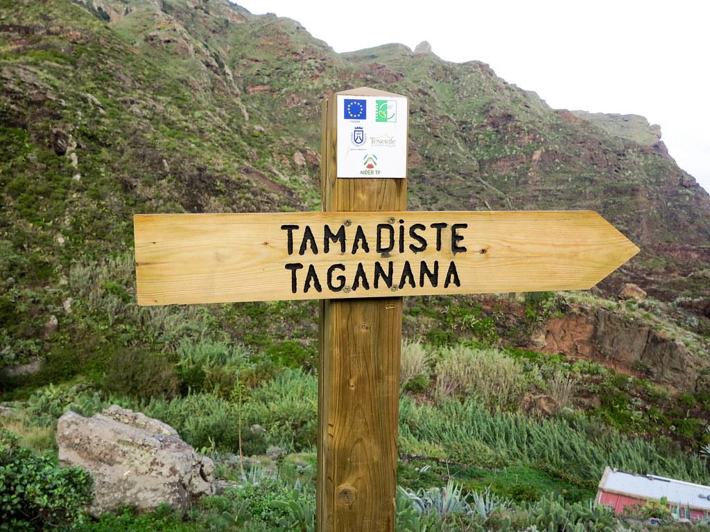 Señal hacia la playa de Tamadiste