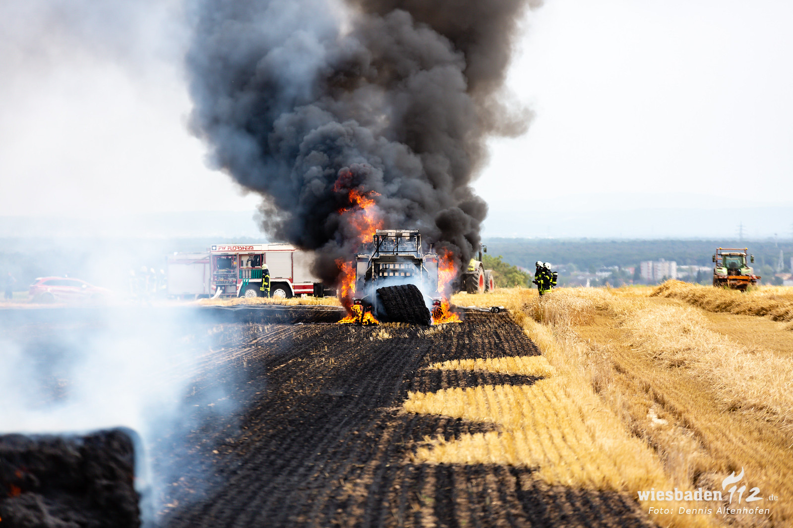 Flächenbrand durch Ballenpresse bei Wicker 18.07.19