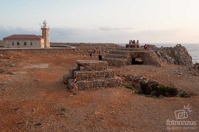 Faro de Punta Nati