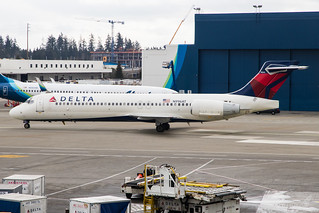 Delta Air Lines - B717 - N996AT (1) | by amluhfivegolf