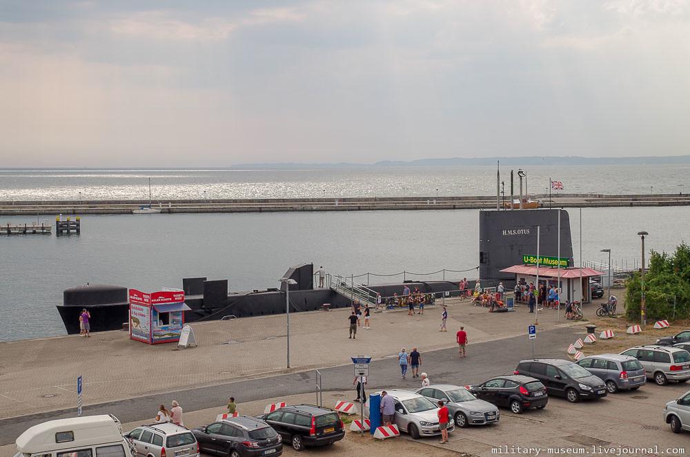 Подводная лодка-музей HMS Otus в немецком порту Зассниц