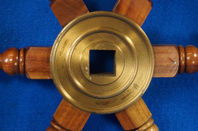 RD28874 Vintage 24 inch Wooden Ships Wheel Boat Helm Brass Center Nautical Decor DSC01166