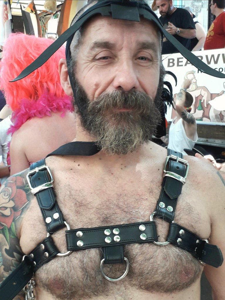 HOT & HAIRY BEARDED DADDY HUNK ! PARIS PRIDE 2019 ! ( safe photo)
