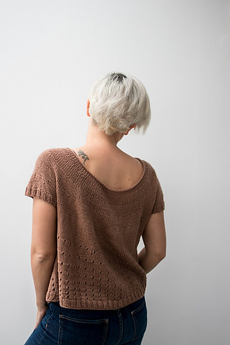 The back of Karen Broz's free Love Pecan pattern