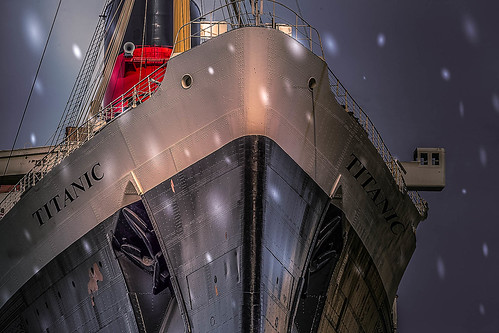 titanic boat snow storm nikon photoshop sergeramellipreset weather queenmary d5 nikkor night