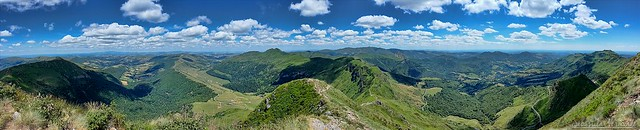 View from the top of Le Puy Mary - Vue depuis le sommet du Puy Mary