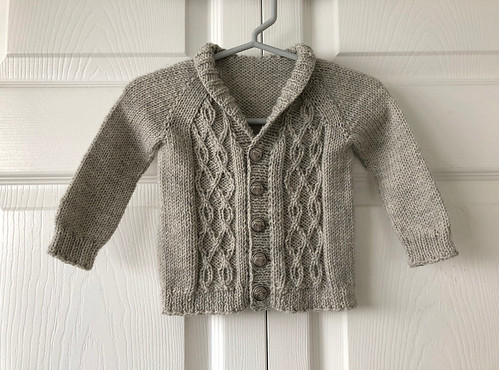 Lise finished this test knit cardigan!