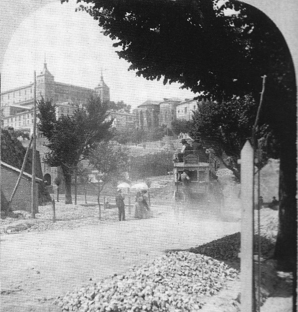 Fotografía estereoscópica del Paseo de la Rosa en Toledo hacia 1934. Donación del Marqués de la Vega Inclán a la Hispanic Society of America