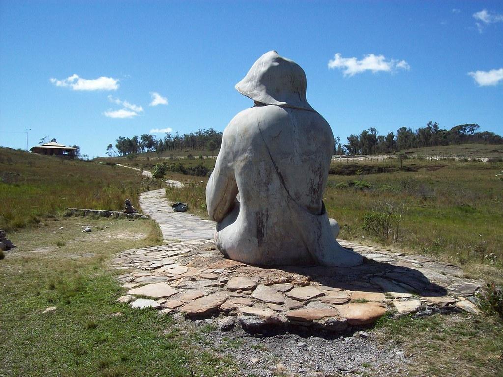 Parte de trás da estátua do Juquinha - Serra do Cipó (MG)