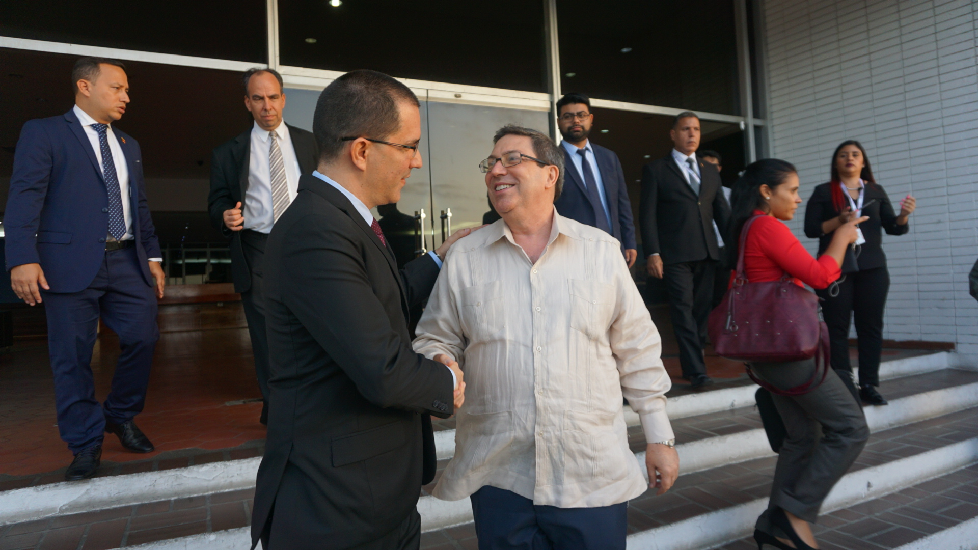 Ministros y altas autoridades llegan a Venezuela para participar en la reunión ministerial del Mnoal