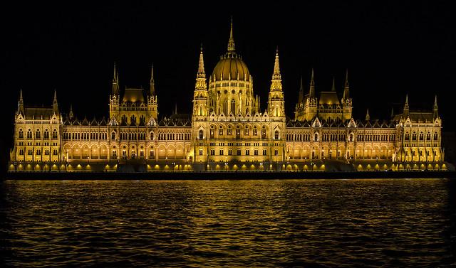 Budapest: Hungarian Parliament Building