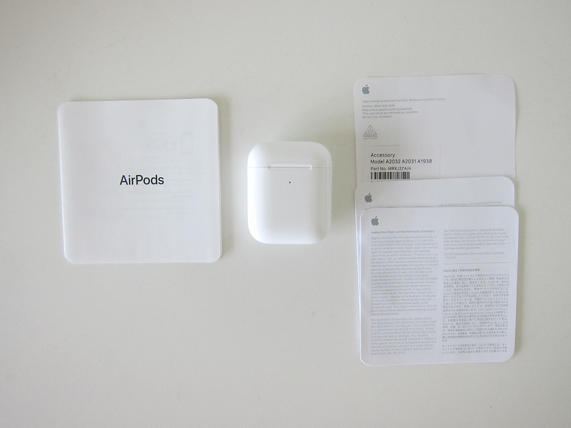 Apple AirPods (2019) With Wireless Charging Case - Box Contents