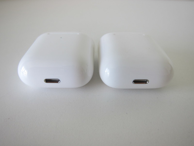 Apple AirPods (2019)  vs Apple AirPods (2016) - Bottom