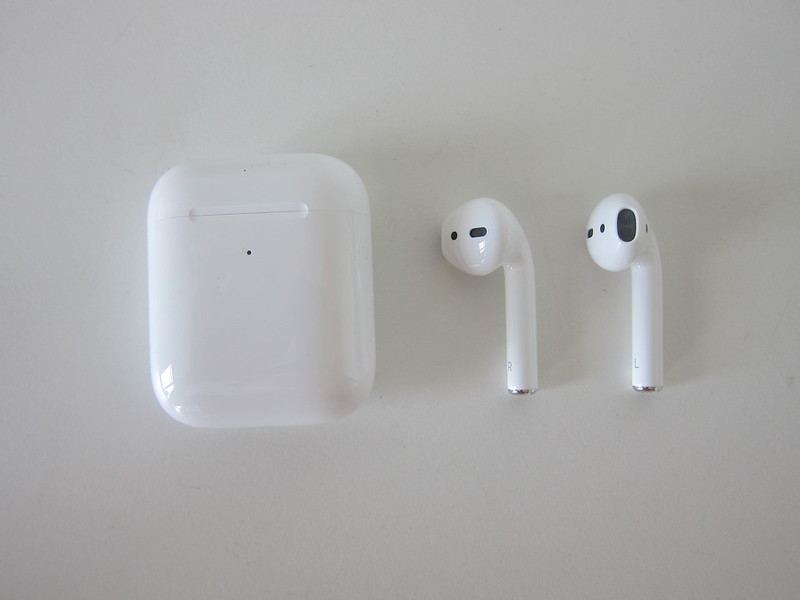 Apple AirPods (2019) With Wireless Charging Case - AirPods