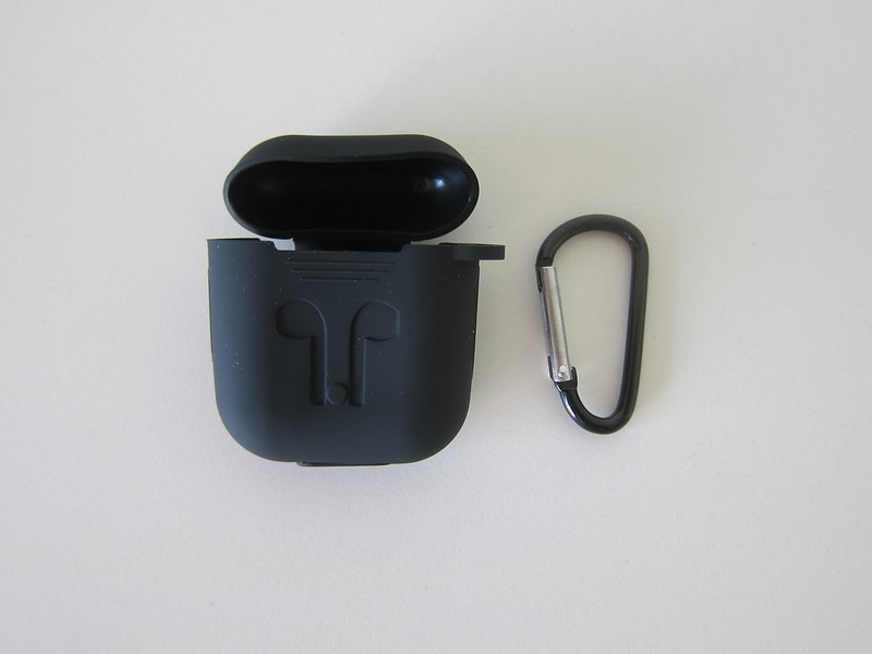 Ugreen Silicone Case for Apple AirPods - Box Contents