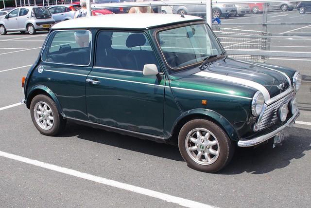 Rover Mini Cooper.