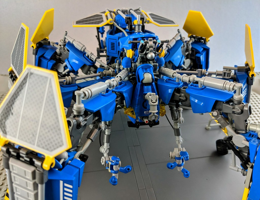 Neo-Classic-Space S.P.I.D.E.R Multiped Drone (custom built Lego model)