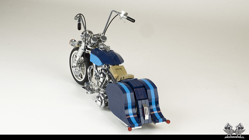 Harley Davidson Road King Lowrider in Lego 1:10