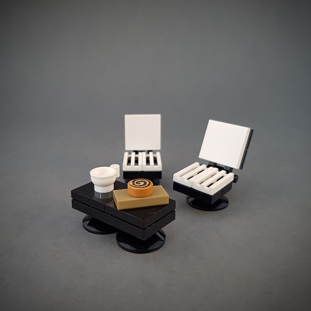 Coffee table and chairs MOC (Cherry Loft House)
