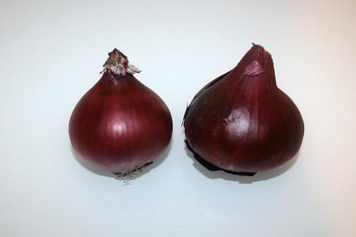 01 - Zutat rote Zwiebeln / Ingredient red onions