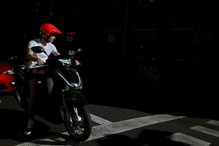 That red #streetphoto #streetphotography #red #Barcelona #davoiceover
