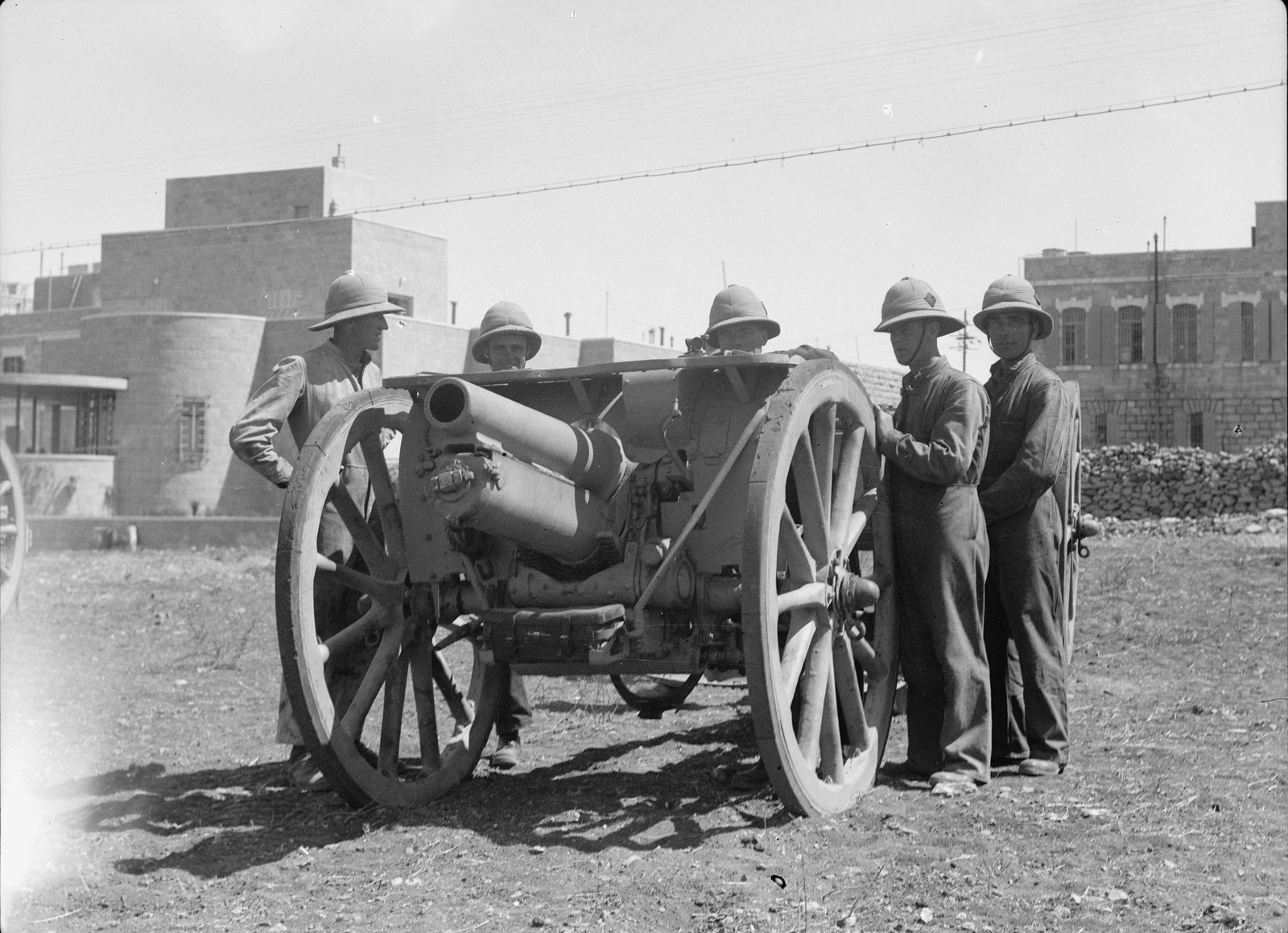 14. Полевая артиллерия вновь прибыла в Иерусалим