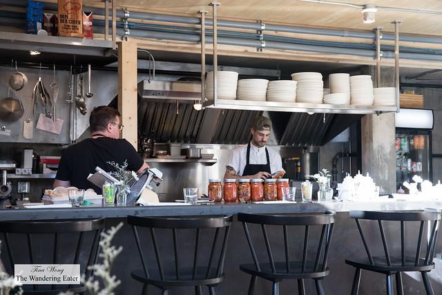 Open kitchen at Capsa