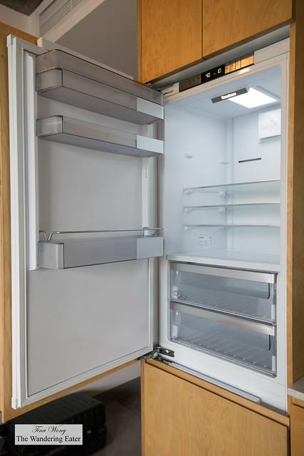 Studio Queen Room - large refrigerator