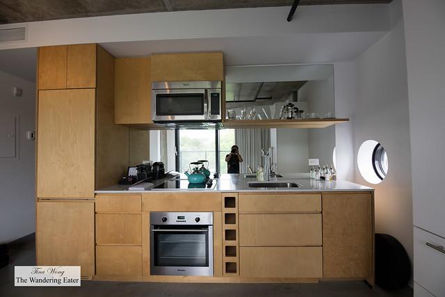 Studio Queen Room kitchenette